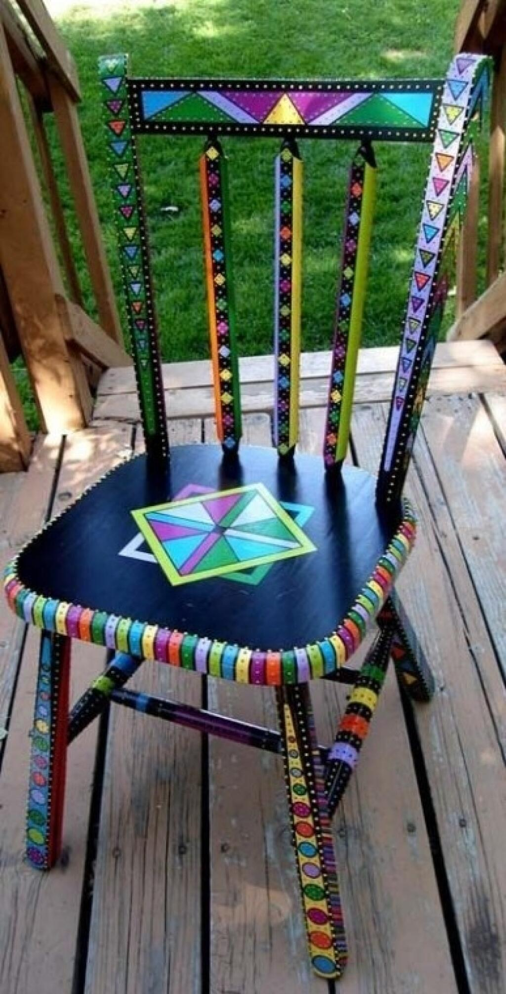 Reforma de cadeira colorida