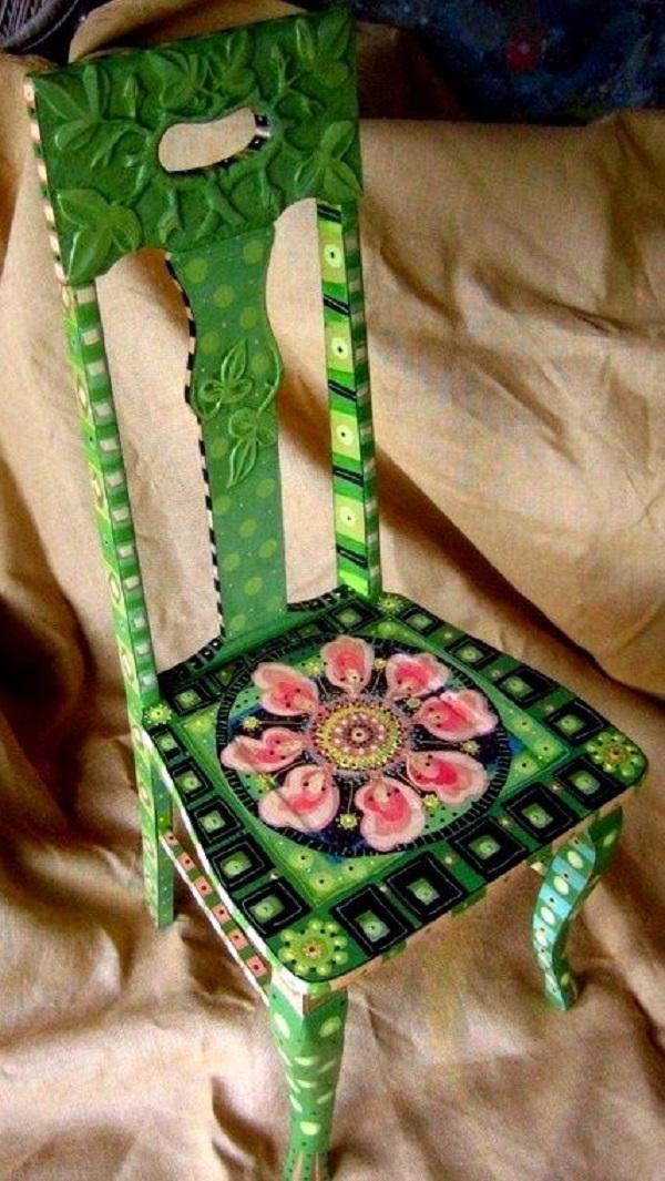 Reforma de cadeira com pintura no assento