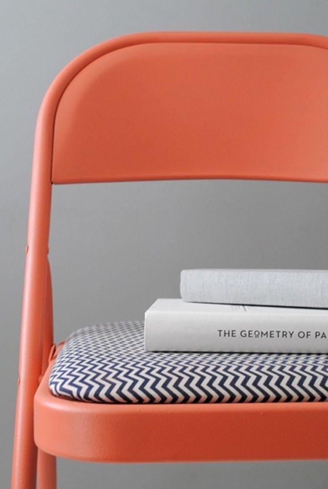 Reforma de cadeira de ferro com estofado estampado