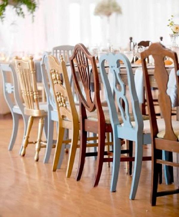 Reforma de cadeira de tamanhos e cores diferentes
