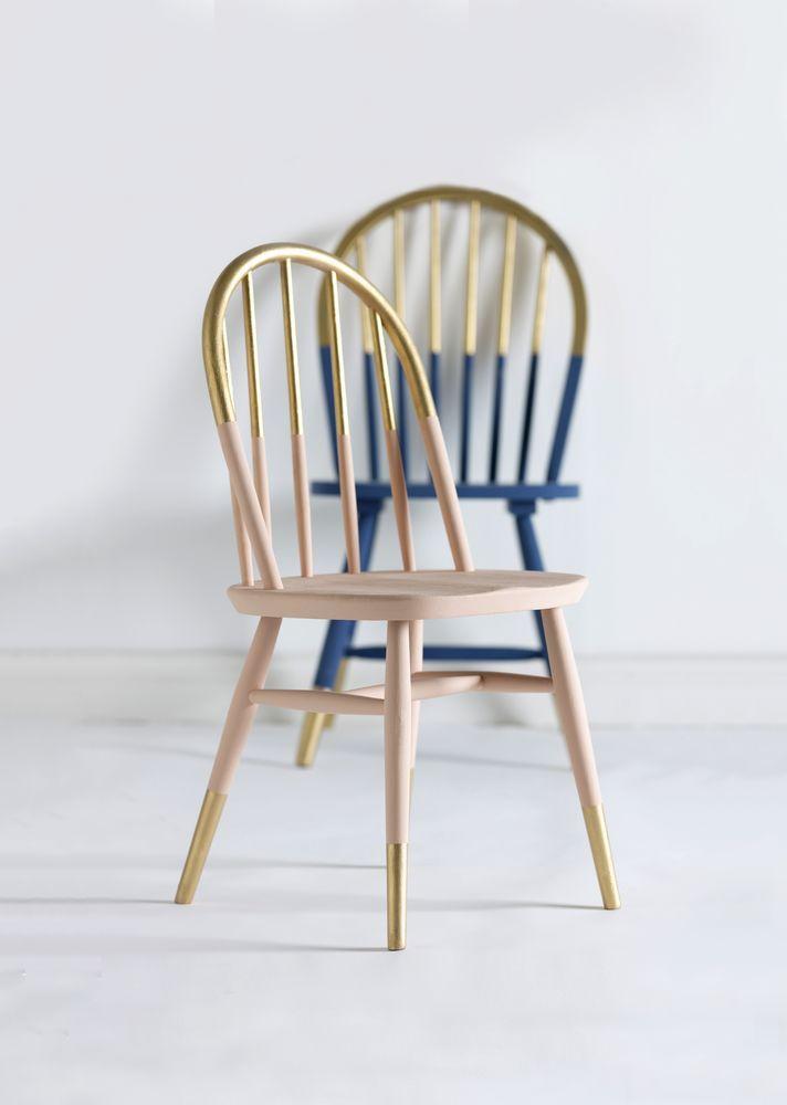 Reforma de cadeira dourada e bege