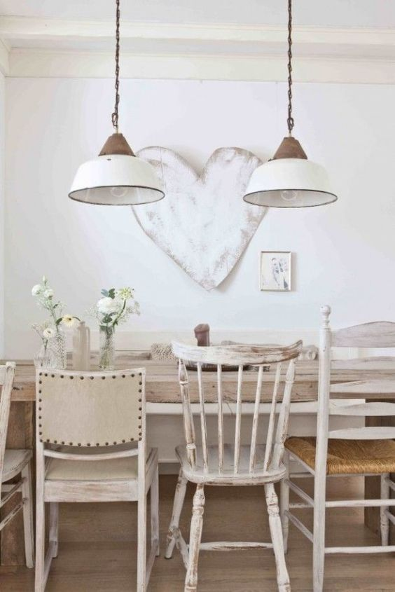 Reforma de cadeira para sala de jantar moderna e branca