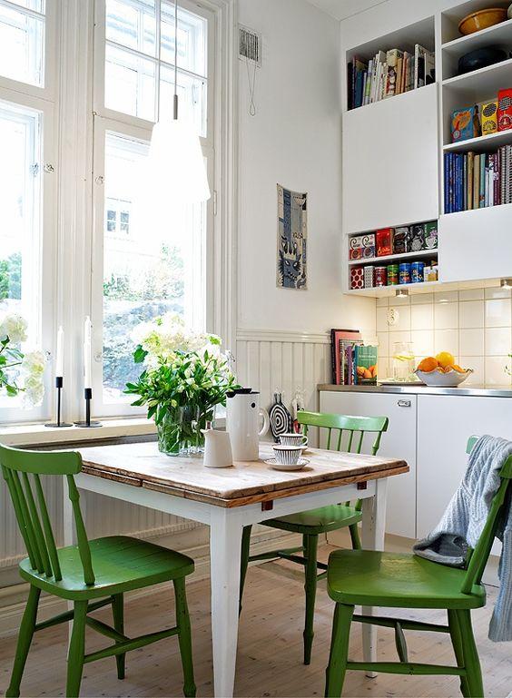 Reforma de cadeira verde para sala de jantar