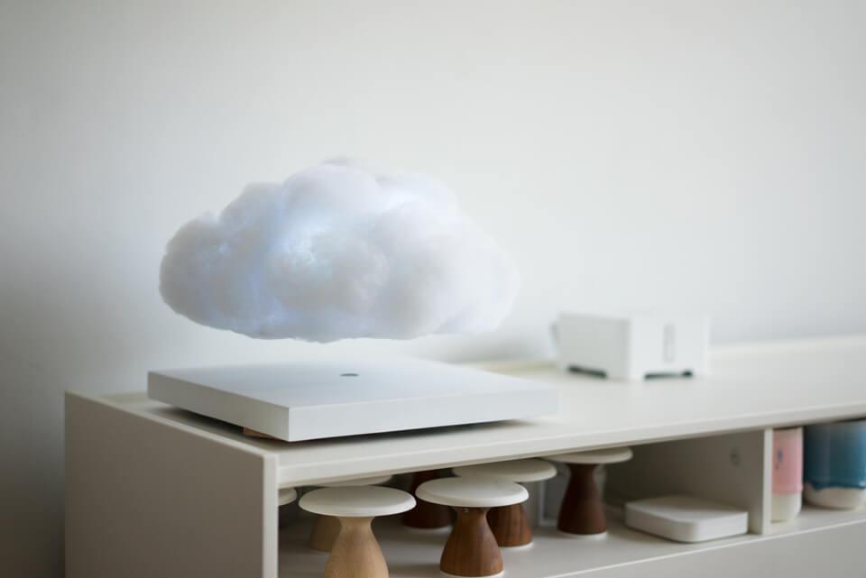 Luminária Nuvem na mesa