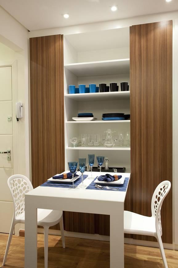 Sala de jantar com mesa dobrável de parede