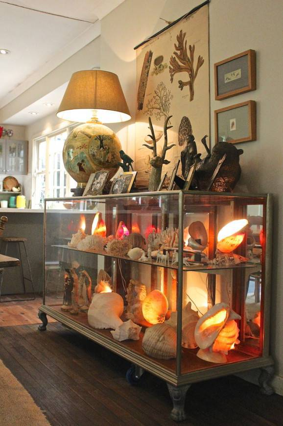 Stupefying-Display-Cabinets-Decorating-ideas6