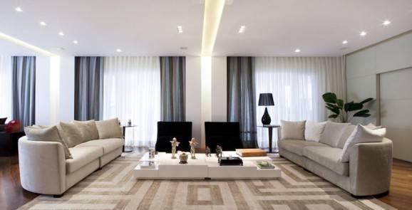 sala de estar cinza decoração para daltônicos