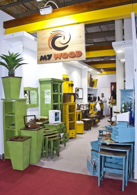 gift fair my wood  mobilia em madeira colorida