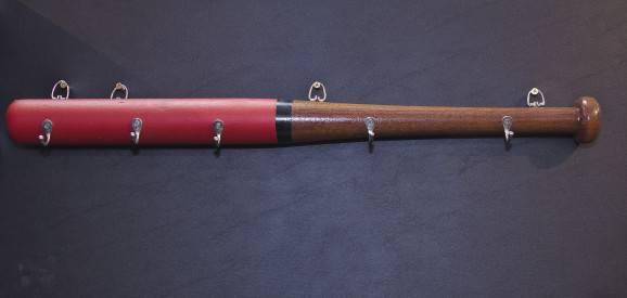 Decoração de madeira: chapeleira de taco