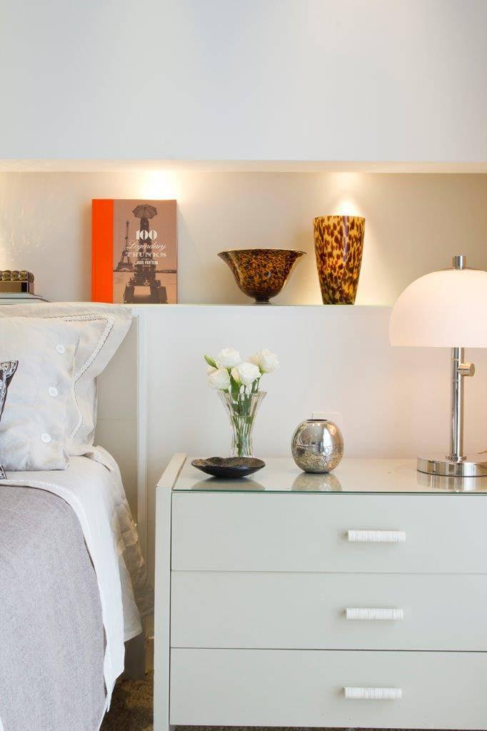 Decoração para quarto de casal  criado  mudo abajur iluminacao