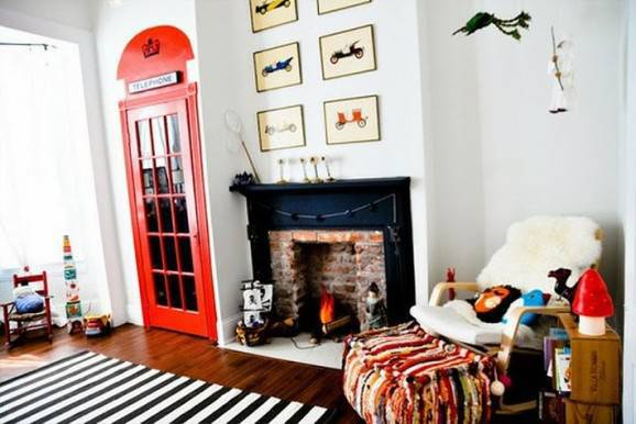 cabine  telefonica decoração com o tema viagem