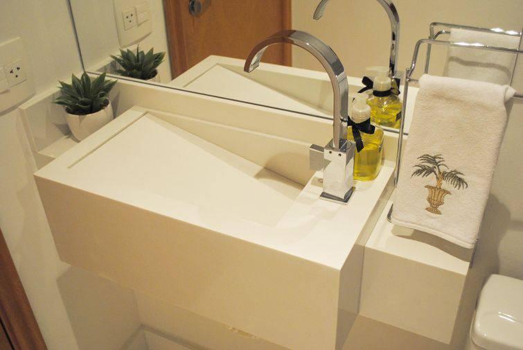 14490- banheiros pequenos por bianchi lima arquitetura