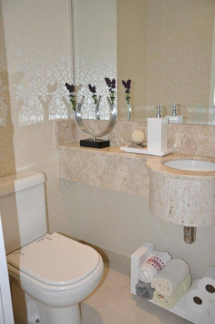 35 Banheiros Pequenos com Dicas e Inspirações para Você -> Tapete Banheiro Pequeno