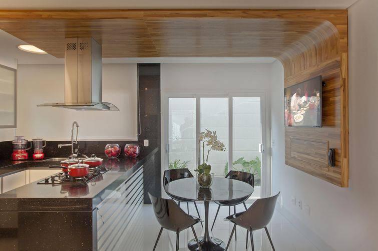 69194- Revestimento para cozinha aquiles-nicolas-kilaris-viva-decora