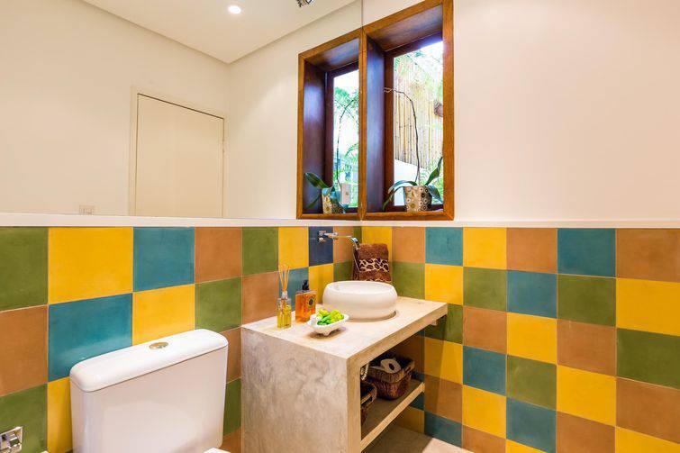 9859- banheiros pequenos por by-arquitetura-viva-decora