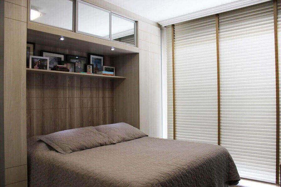 Guarda-roupa planejado no quarto de casal Projeto de Daarna