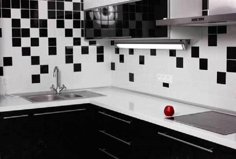 Revestimento para cozinha preto e branco