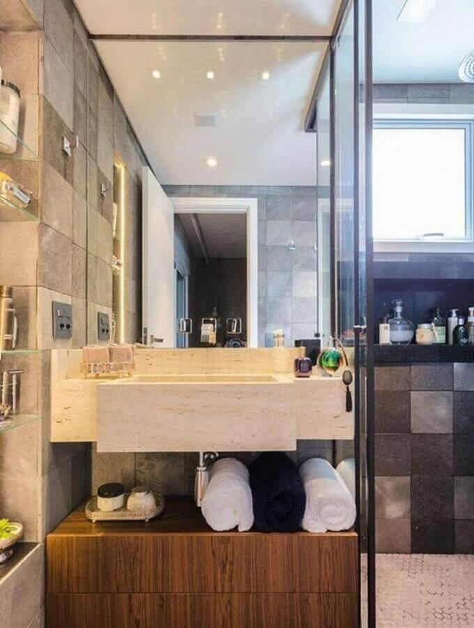 decoração de banheiro pequeno com pia esculpida de mármore e gaveta de madeira Foto Pinterest