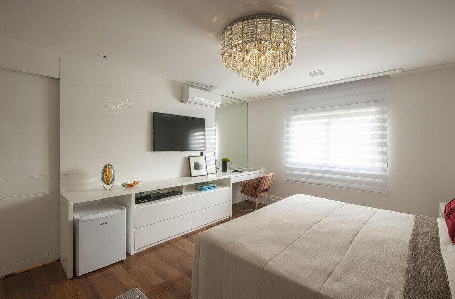 decoração quarto de casal com modelo de lustre para quarto bem sofisticado