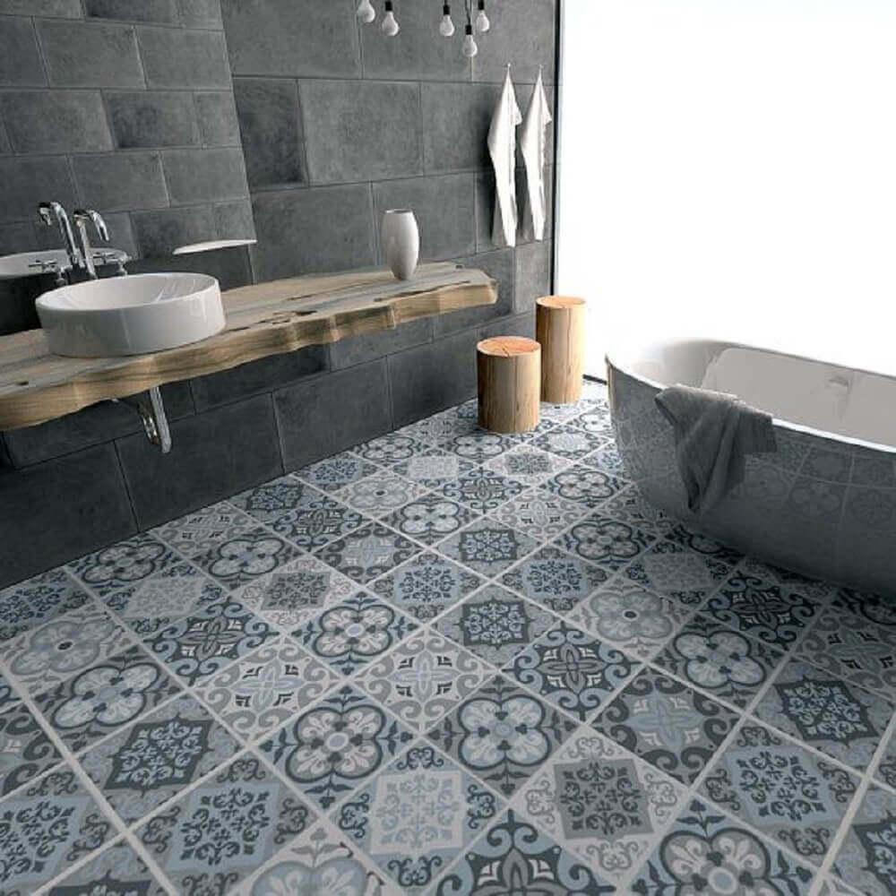 pisos estampados para banheiro