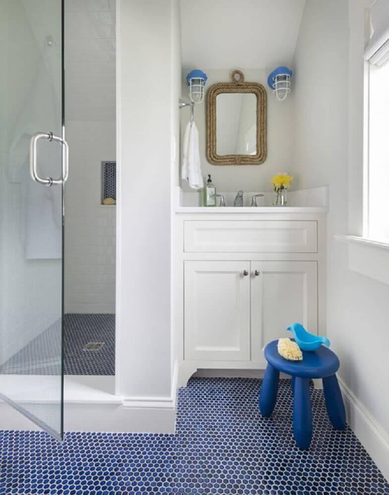 Pisos para banheiro com estampa pequena