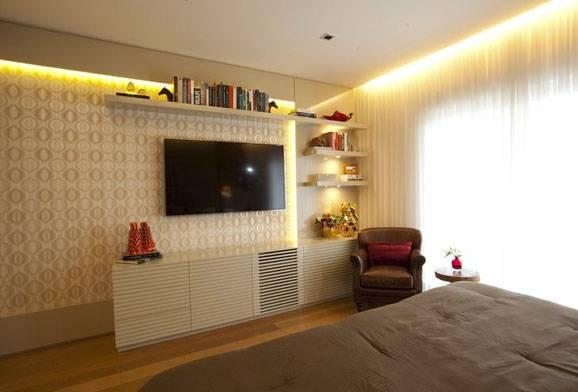 Decoração quarto de casal: Painéis para esconder fios