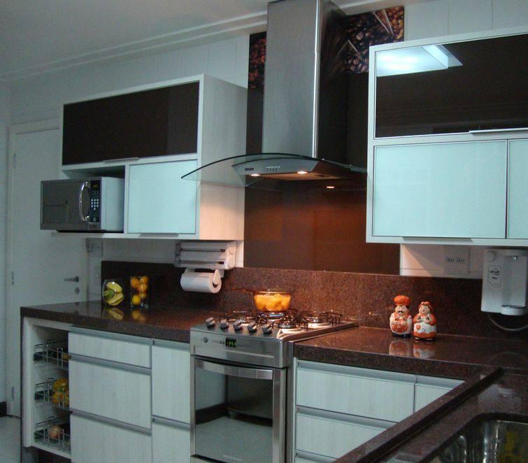 Bancada para cozinha em mármore Projeto de Marli Rodrigues