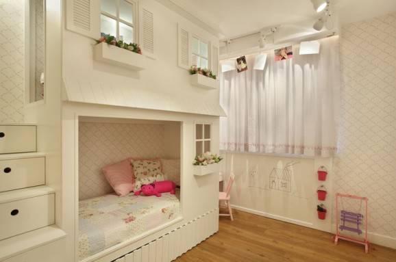 arranjos florais no quarto infantil