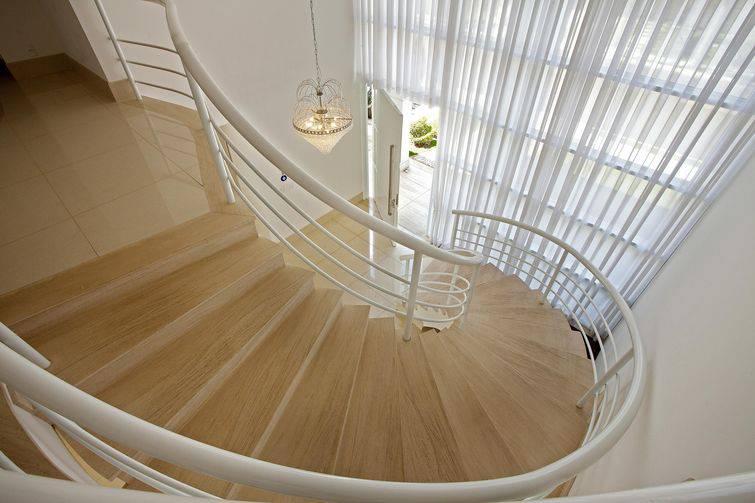 18877 escada caracol -aquiles-nicolas-kilaris-viva-decora