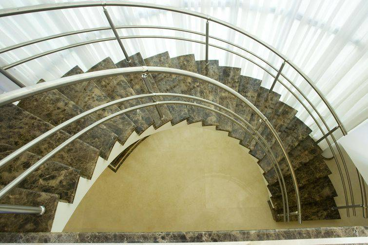 19195- escada caracol aquiles-nicolas-kilaris-viva-decora