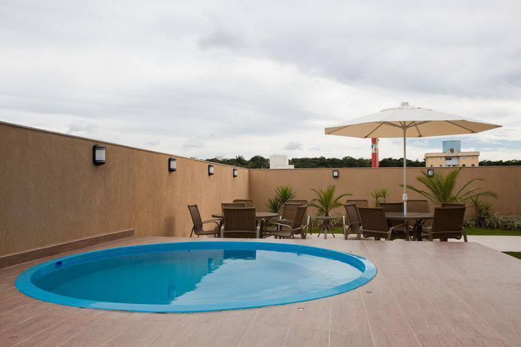 Como construir uma piscina barata