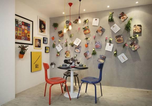 sala de jantar pequena mesa redonda