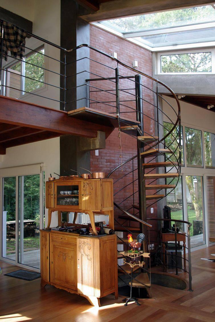 8991- escada caracol -caio-rodrigues-de-santi-viva-decora