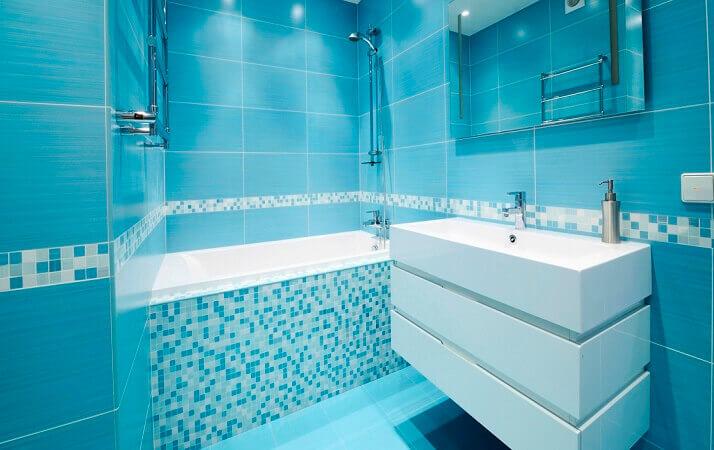 Azulejos para banheiro azul moderno