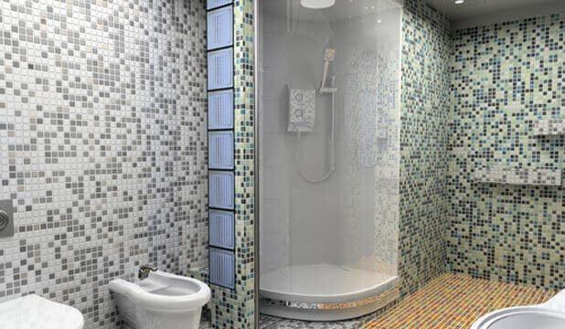 Azulejos para banheiro de cores variadas