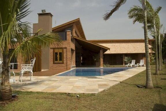 Piscinas pequenas com formato diferente Projeto de Bragaueno Arquitetos