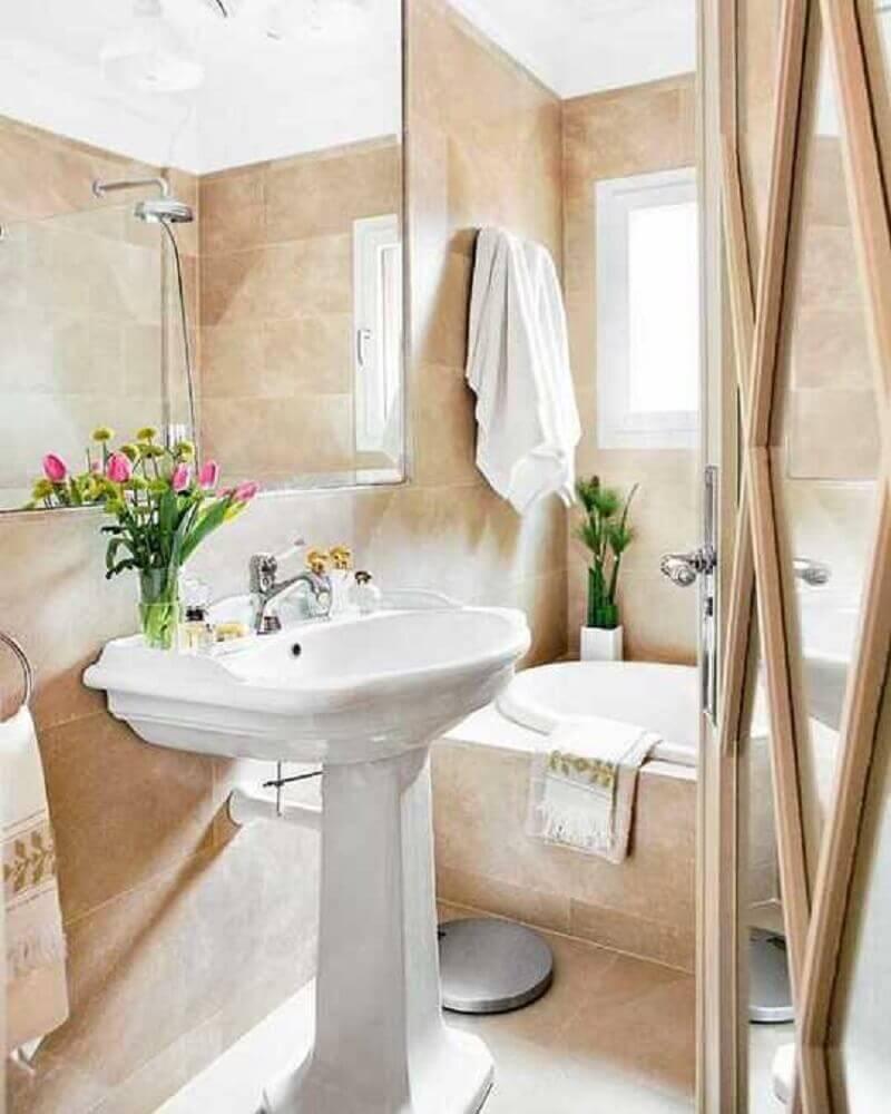 arranjos de flores delicadas para banheiro