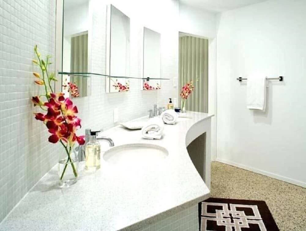 arranjos de flores para banheiro