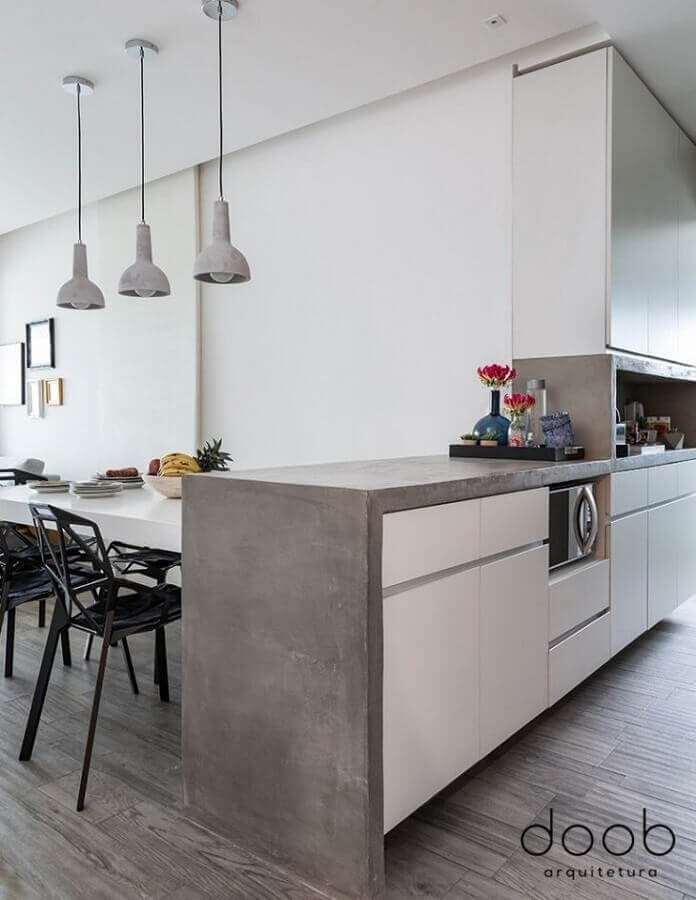 bancada de cozinha feita em cimento queimado Foto Doob Arquitetura