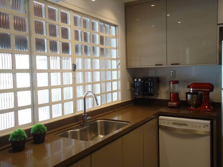 bancada de cozinha feita em silestone marrom Foto Lania Lacorte
