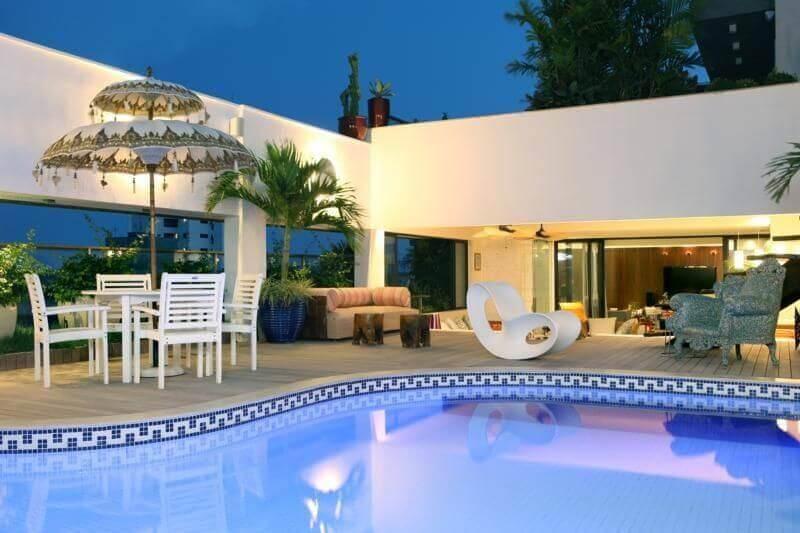 casas com piscina beirada de pastilhas rodrigo maia 16100