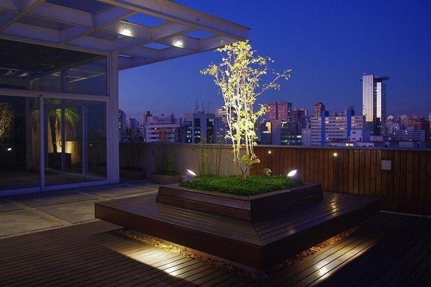 Decoração de varanda com estilo moderno de iluminação de jardim