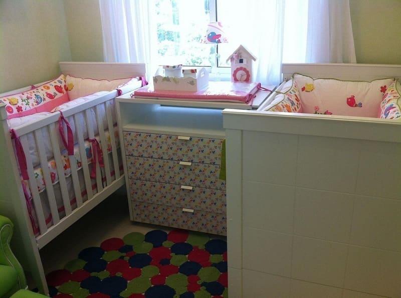 decoracao de quarto de bebe feminino pequeno lucia stuhlberger 870