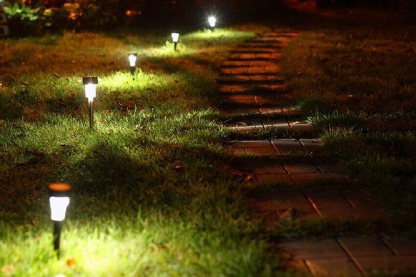 ideias de iluminação de jardim