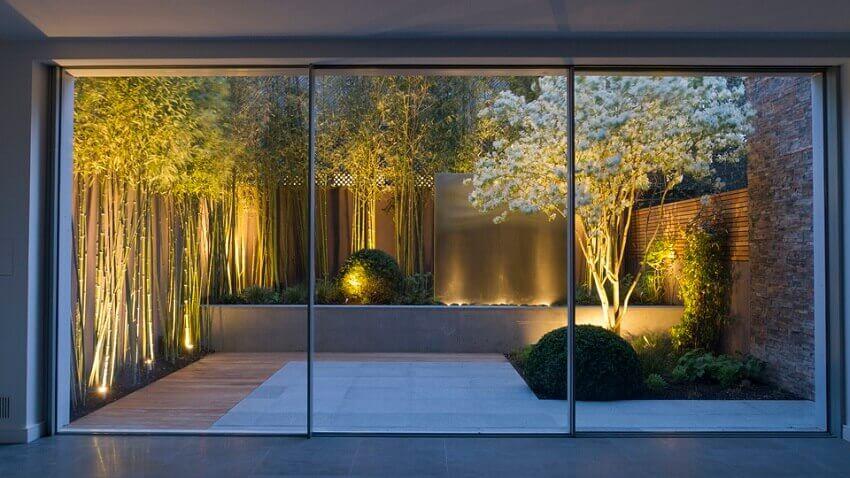 iluminação direcionada para jardim