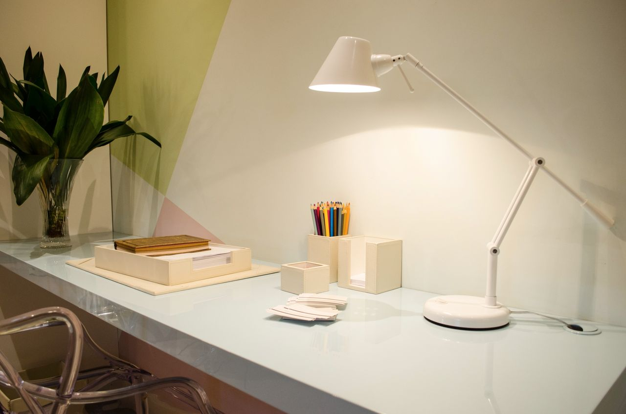 table lamp - home office in light tones with table lamp