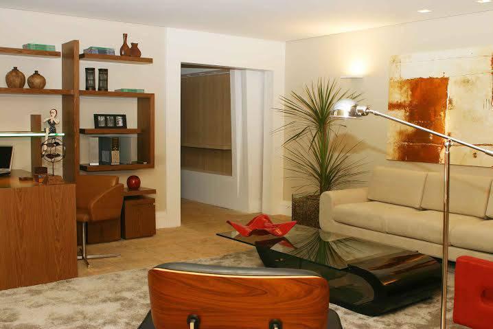 Modelo de sala com o charme da madeira