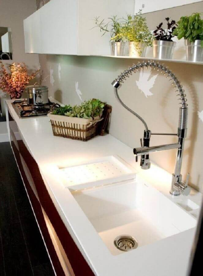 modelo moderno de bancada para cozinha branca planejada Foto Archdesign Studio