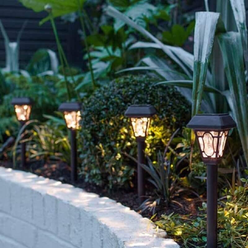 Poste pequeno para iluminação de jardim