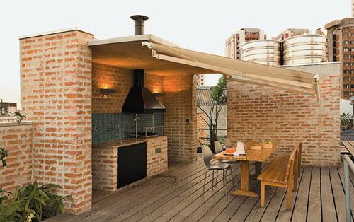 Área de churrasco decorada com tijolihos